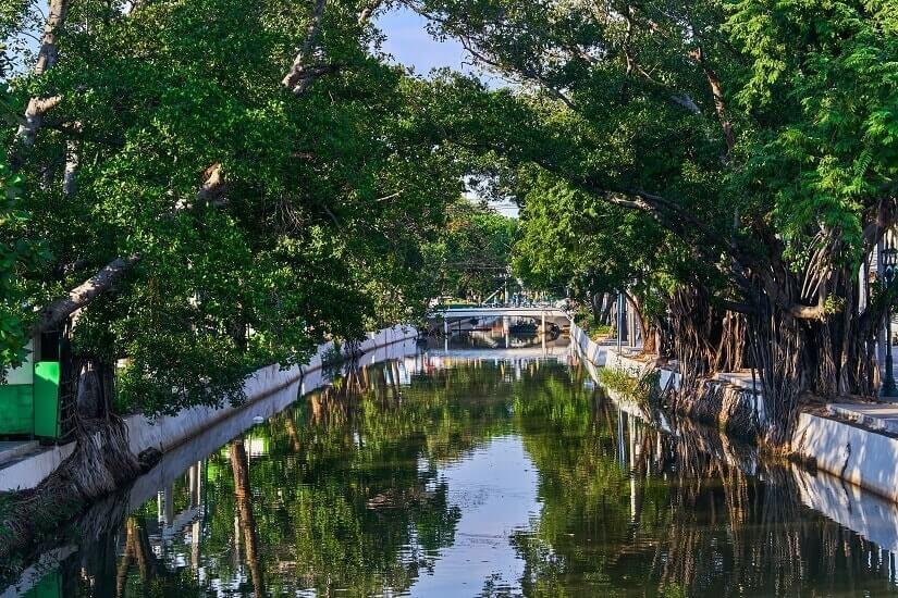 Kanal Khlong Rob Krung in Bangkok