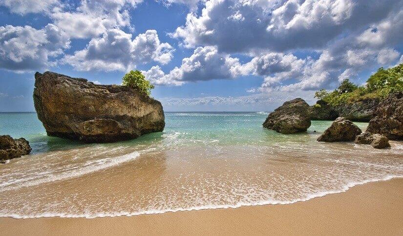 Padang Padang Beach auf Bali