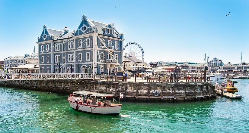 Das restaurierte Werft- und Hafenviertel Waterfront