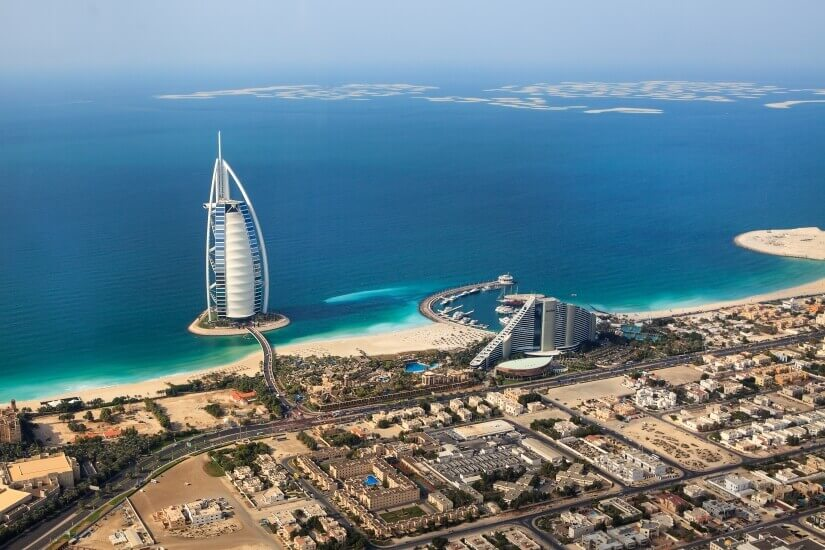 Panorama Dubai mit Strand
