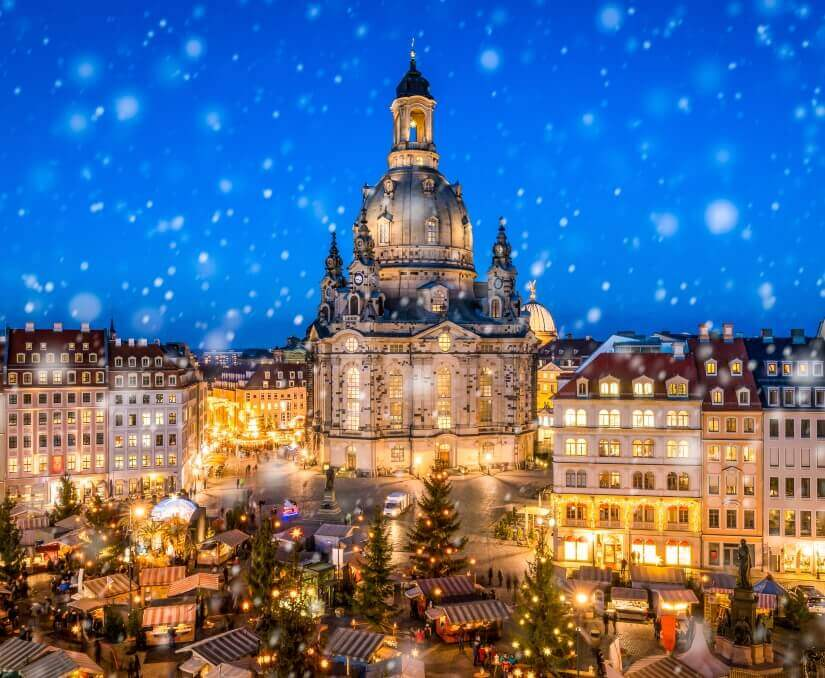 Weihnachtsmarkt In Dresden.Weihnachtsmarkt An Der Frauenkirche In Dresden Der Traditionelle Markt