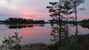 Sonnenuntergang beim Urlaub in der Natur