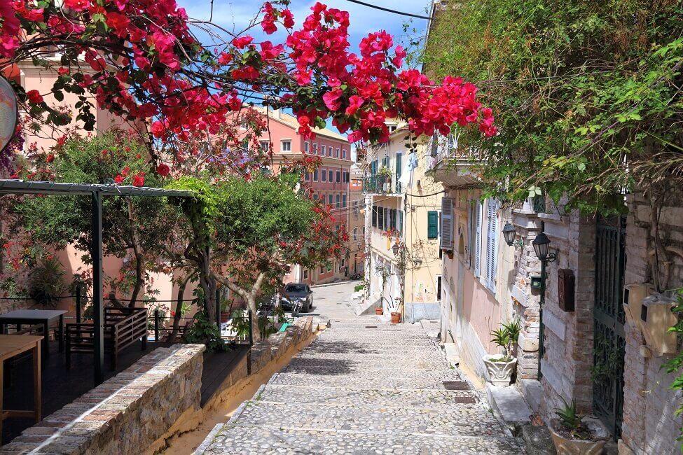 Eine Gasse auf Korfu