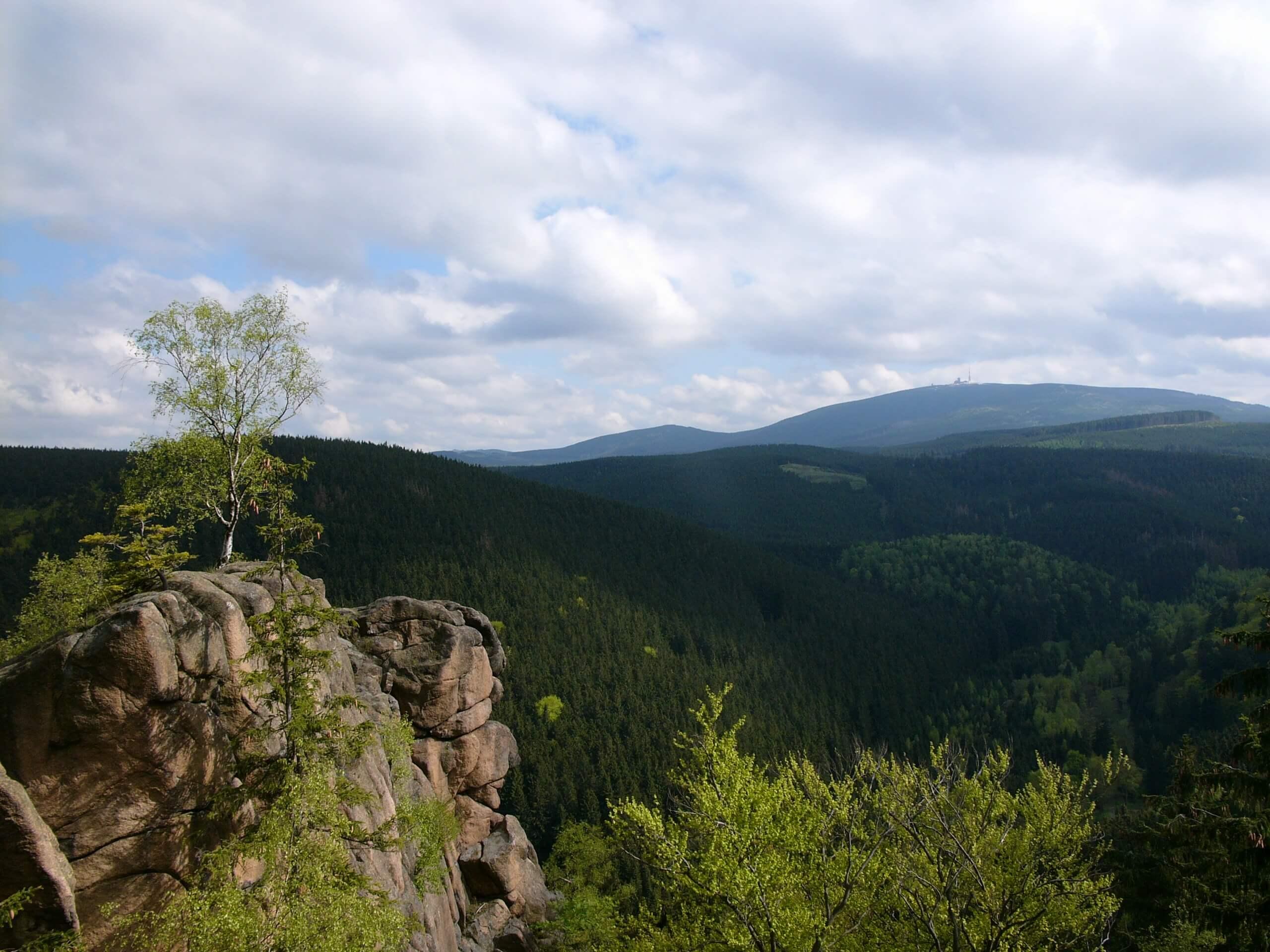 Blick von der Rabenklippe auf den Brocken