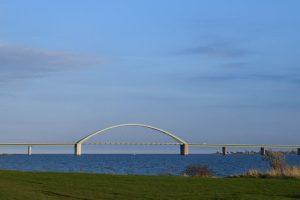 Fehmarnsundbrücke am Campingplatz
