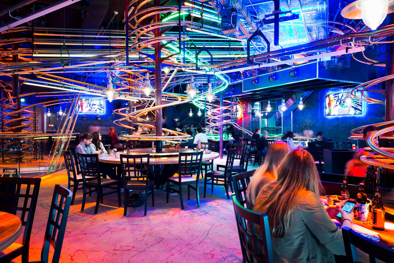 Rollercoaster, Vienna, Wien, Restaurant, Achterbahn, Buntes Licht