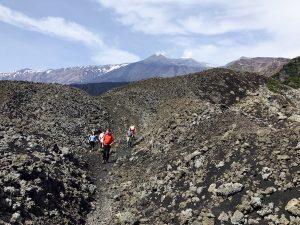 Fremdenführer auf Vulkan