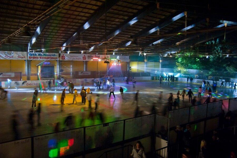 Disco, Eishalle, Eiskunstlaufen, Schlittschuhe