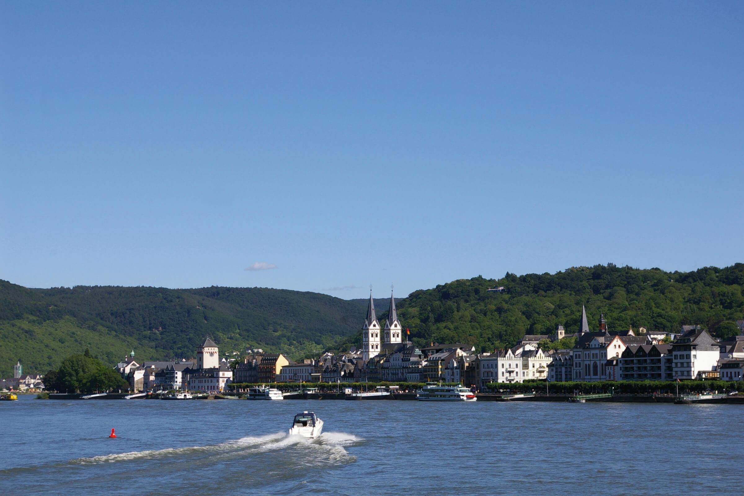 Stadt Boppard am Rhein - Ansicht vom Wasser aus