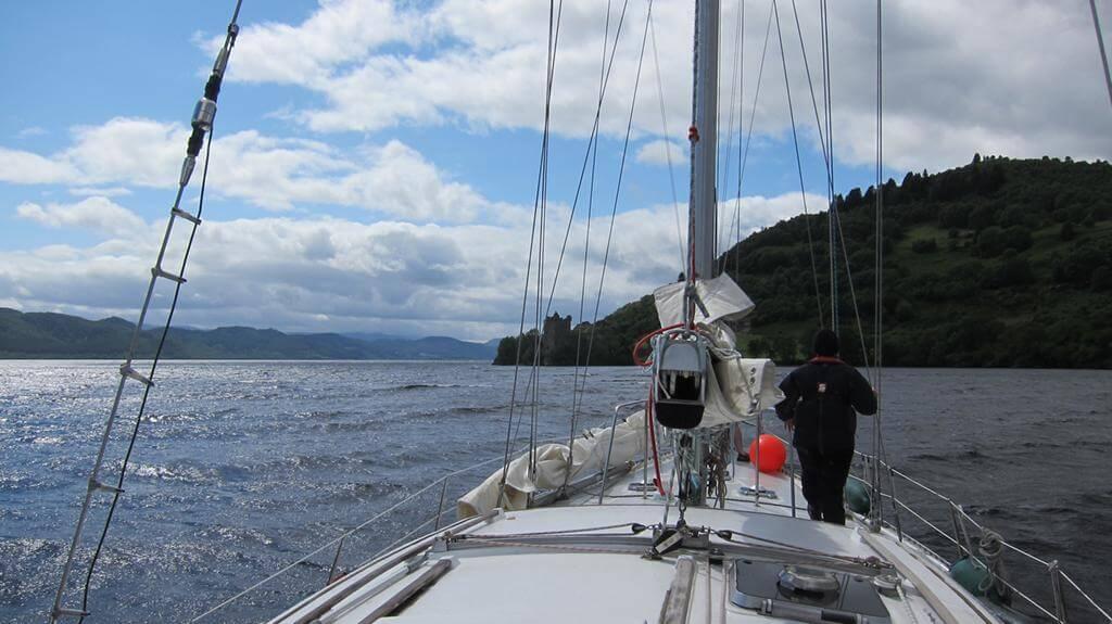 Segelschiff, Segelboot, Segeltörn auf dem Meer