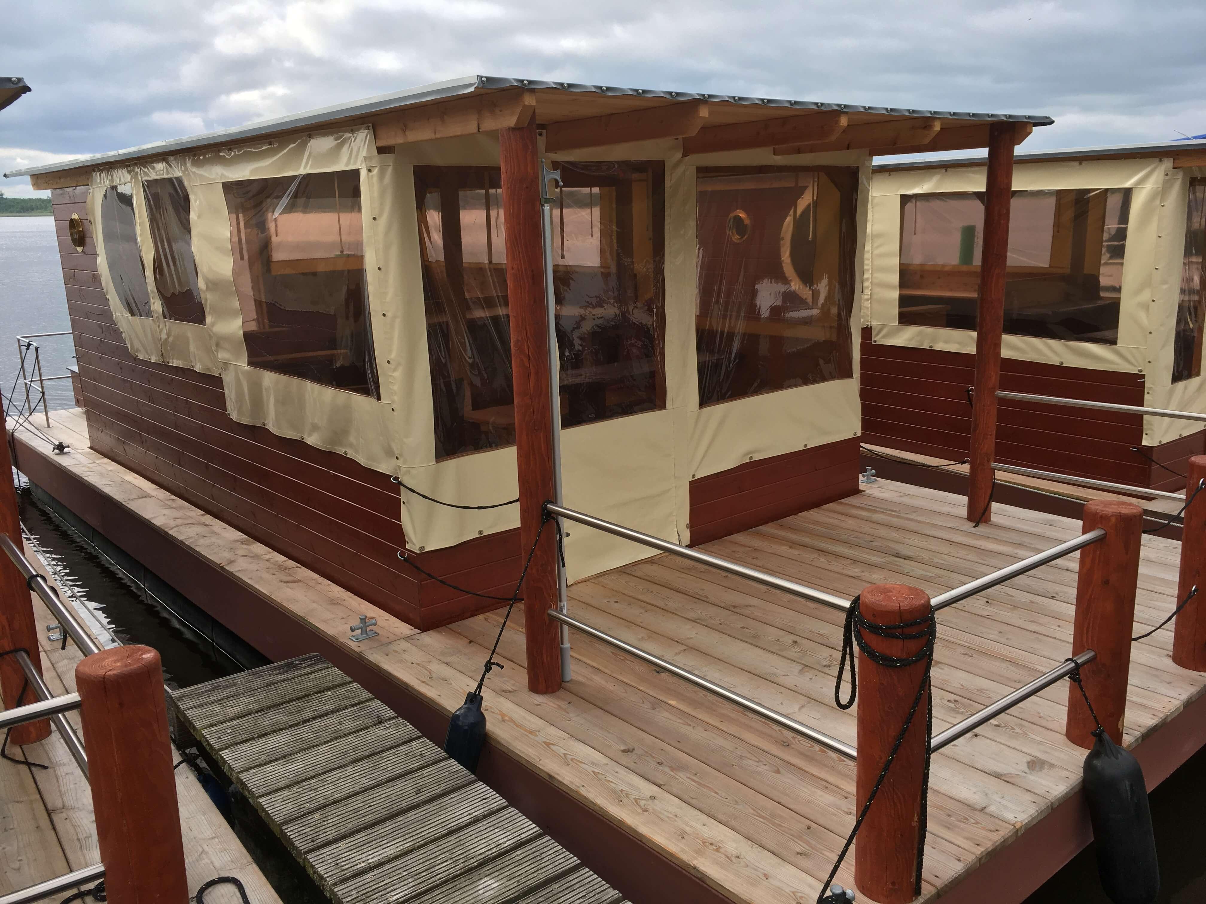 Hausboot mit Terrasse Holz