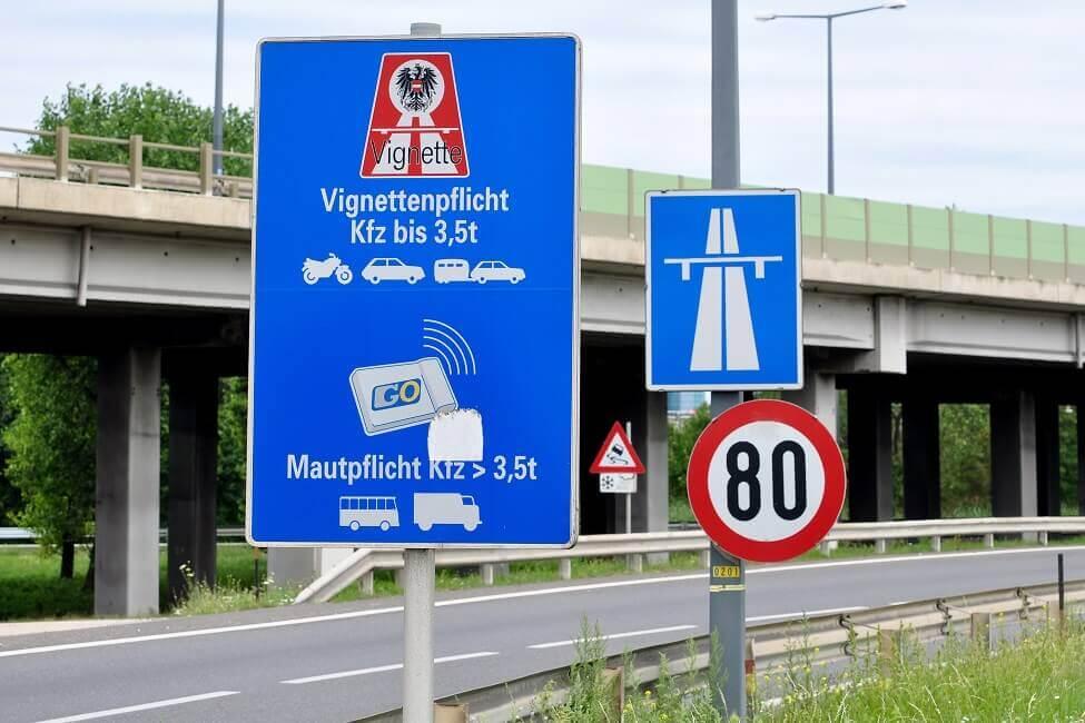 Vignettenpflicht Schilder auf Autobahn