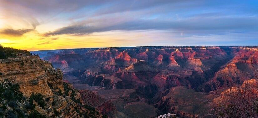 Mit einem Hotel in der Nähe kann man den Grand Canyon auch im Sonnenuntergang erleben.