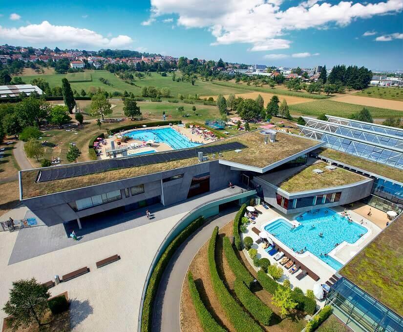 Freizeitbad, Wasserpark, Schwimmen, Tauchen, Rutschen