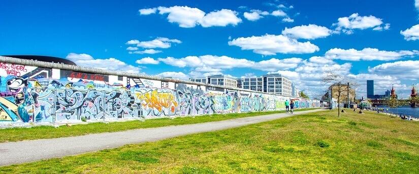 Bild Berliner Mauer mit Graffitis