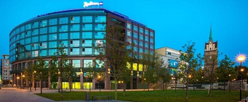 Bild Das Radisson Blue Hotel besticht mit moderner Eleganz