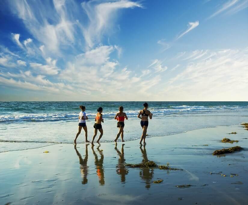 Miami Läuferinnen am Strand