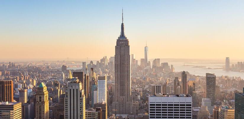 Das Empire State Building im Herzen von New York City, im Stadtteil Manhattan.