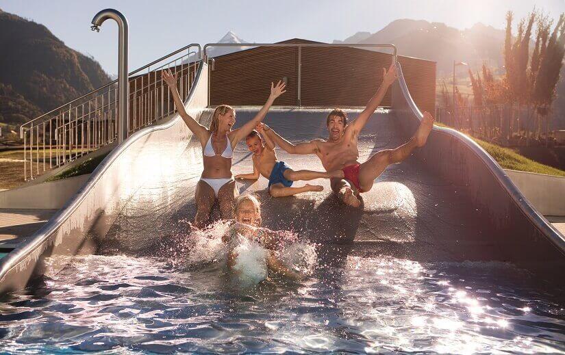 Bild Spaß auf der Rutsche im Tauern Spa Kaprun