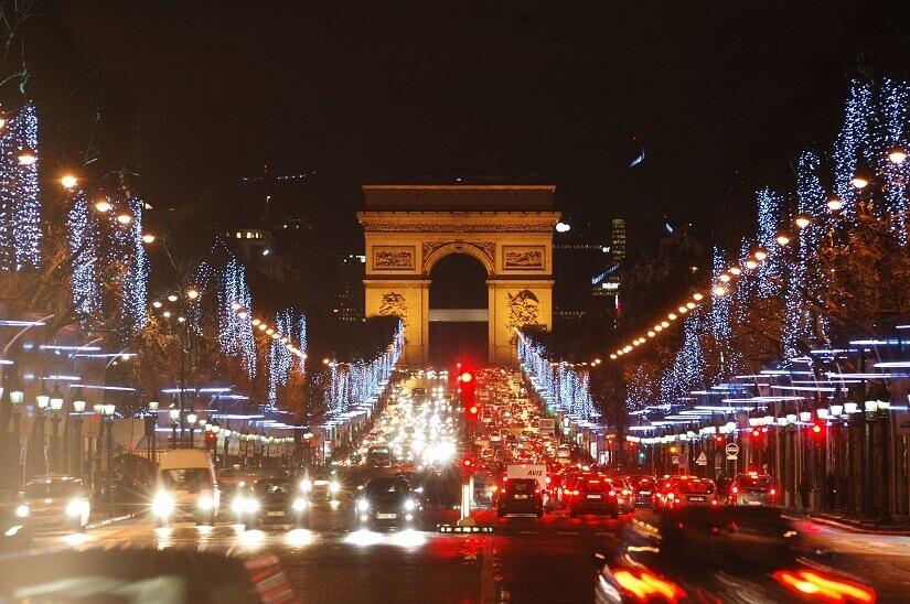 Bild Nachts auf der Champs Elysees