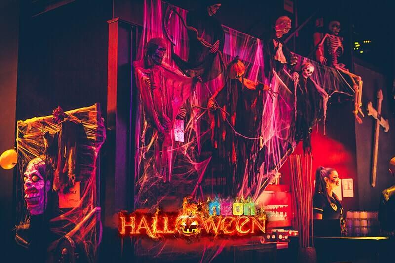 Bild Neon Halloween Party in Berlin