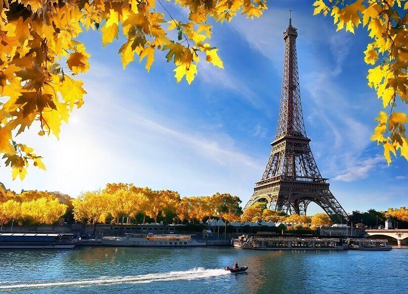 Eiffelturm und Herbststimmung
