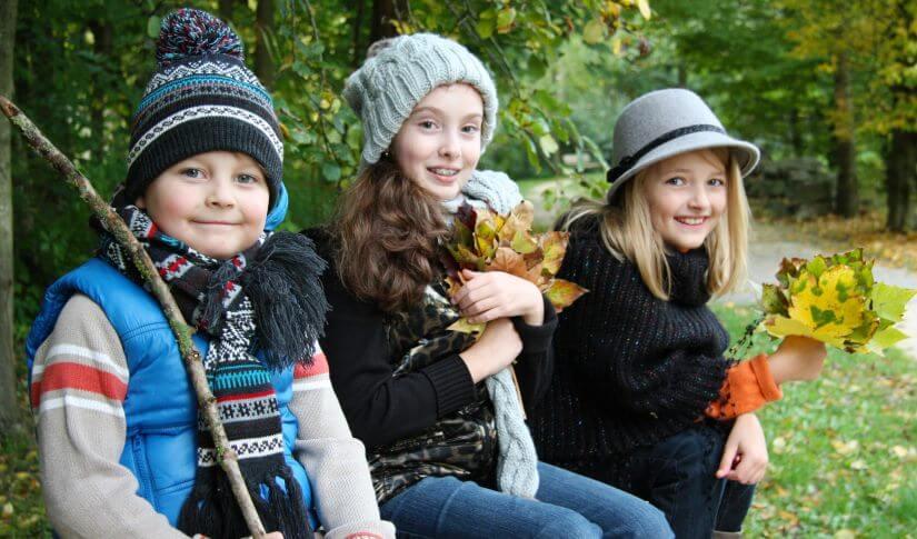 Kinder im Wald, Herbststimmung