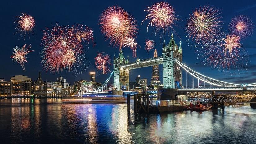 Silvester in London bei der Tower Bridge