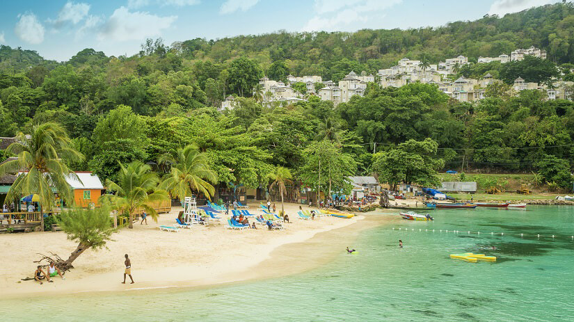 Strand von Ocho Rios in Jamaica