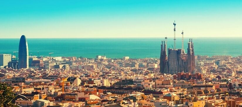 Barcelona vom Hausberg Montjuïc aus gesehen