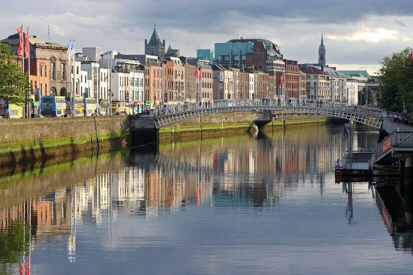 Die Ha'penny Bridge in Dublin