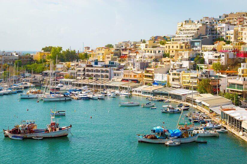 Hafen von Piräus südlich von Athen