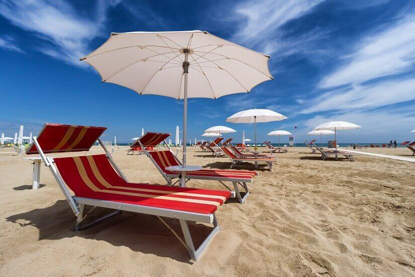 Auskurieren von der Party: Strand von Rimini