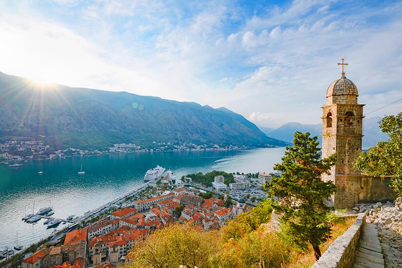 Malerische Bucht von Kotor