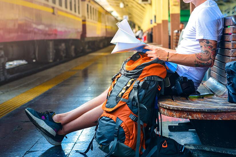 Mit Rucksack auf Reisen