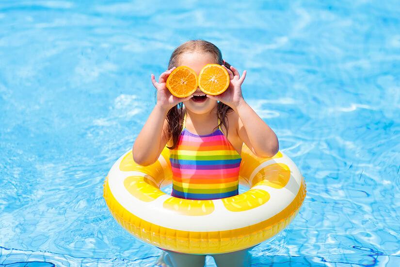 Urlaubsspaß im Pool