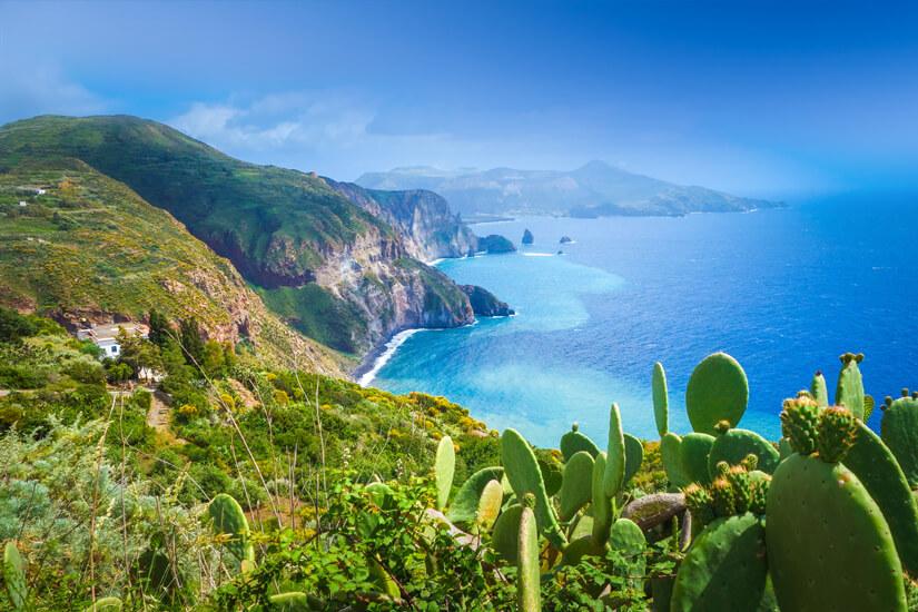 Küste der Insel Lipari