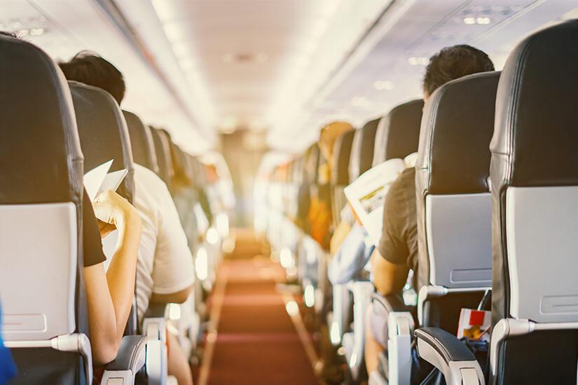 Passagiere auf dem Langstreckenflug