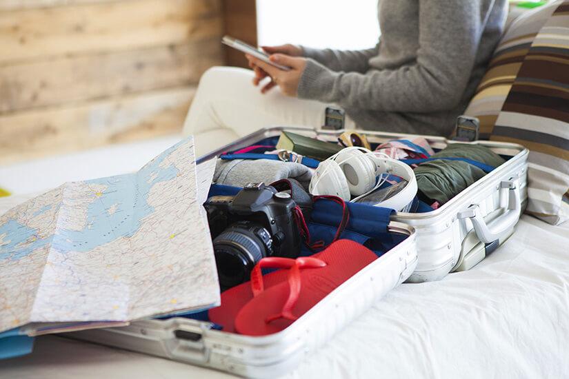 Kleiner Koffer für das Handgepäck