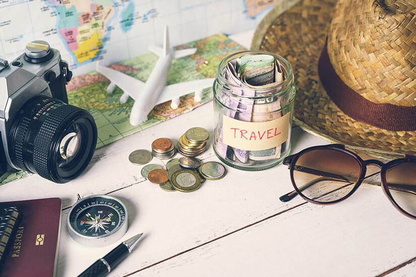 Geld und Dokumente für den Urlaub