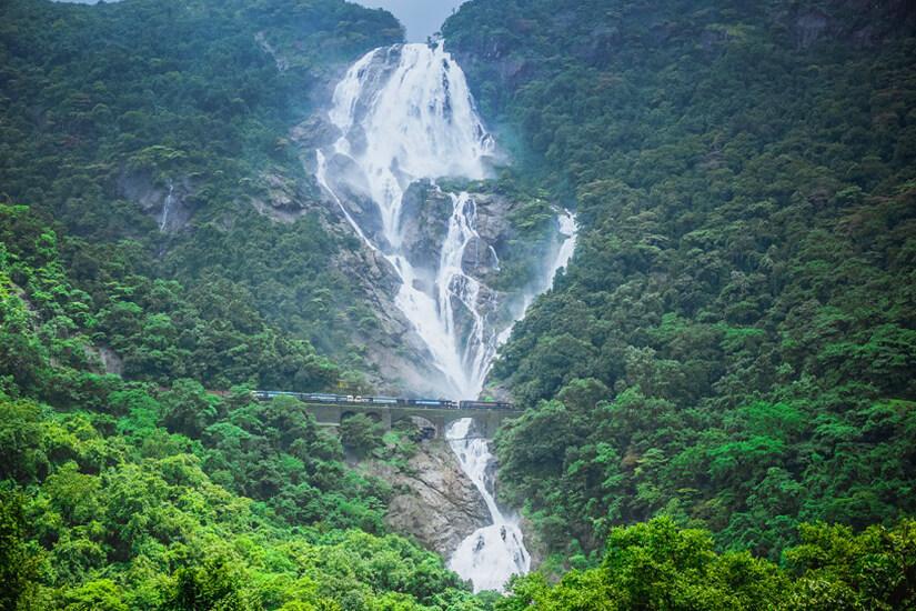 Dudhsagar-Wasserfälle