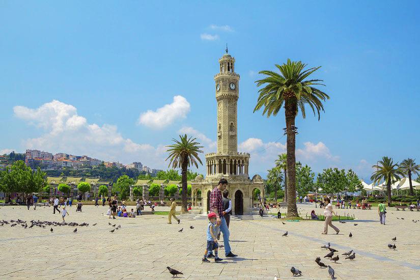 Der Uhrturm in Izmir