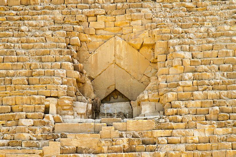 Eingang zur großen Pyramide