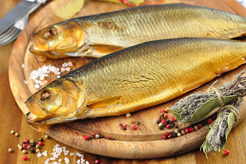 Frischer Räucherfisch aus der Ostsee