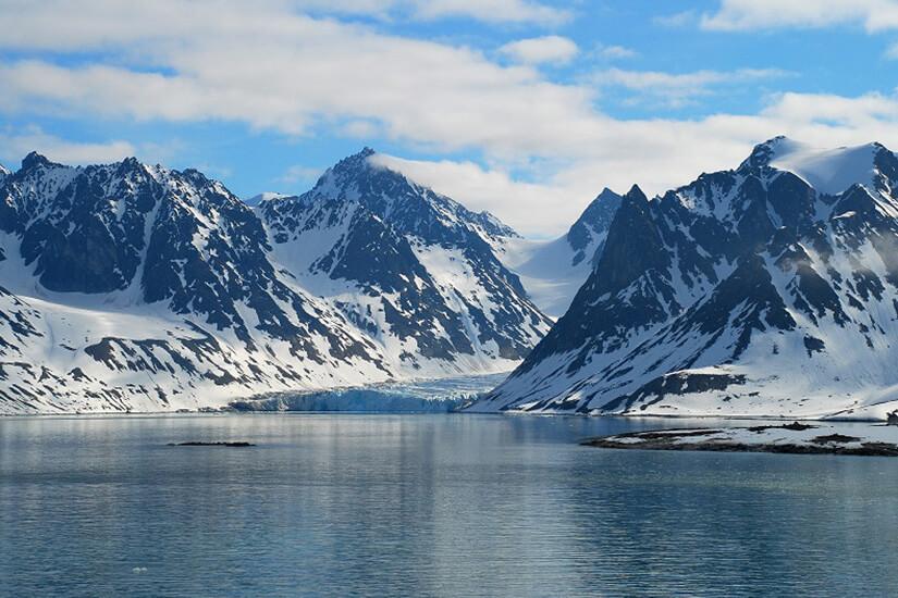 Der Magdalenenfjord bei Spitzbergen