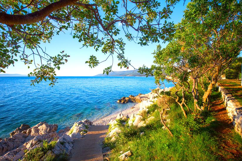 Baden unter Pinien an der istrischen Riviera
