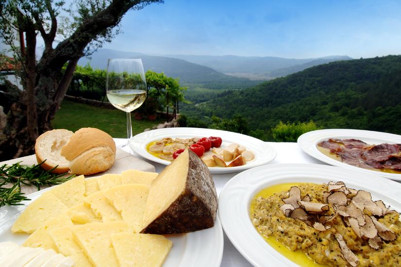 Kroatische Spezialitäten Käse, Trüffel, Schinken