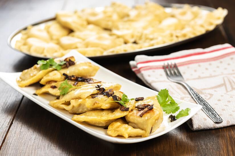 Vegetarische Pierogi genießen