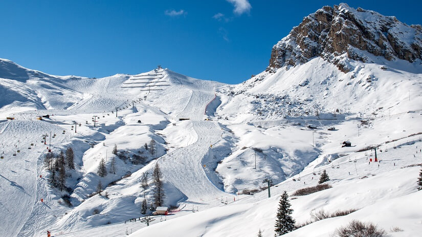 Skipiste in den Dolomiten