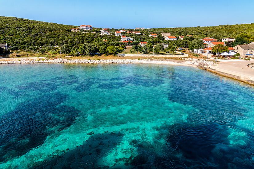 Traumhafte Bucht vor Olib